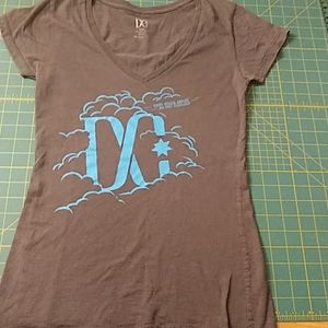 DC fitted v neck tee
